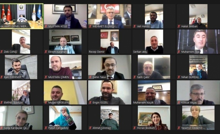 AK Parti'li Kandemir, partisinin Kocaeli'deki yeni yönetimiyle videokonferans ile tanıştı: