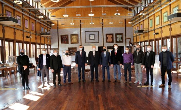 Başkan Sezer'den Uluslararası Sempozyumda emeği geçenlere Plaket