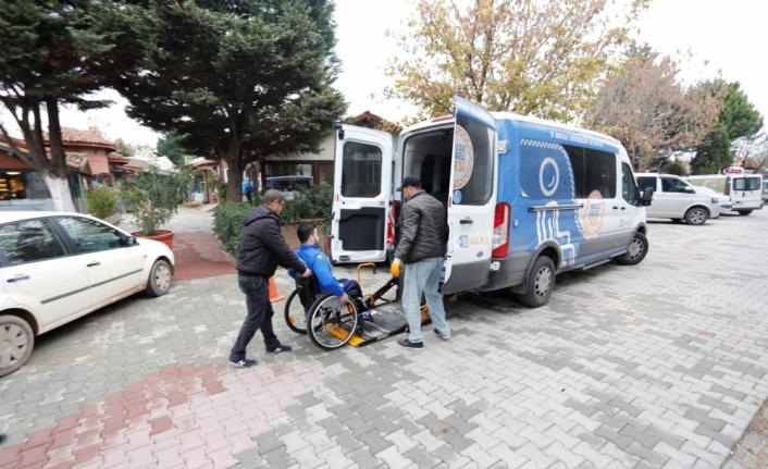 """Kocaeli'de """"Engelsiz Taksi"""" 2020'de 3 bin 43 engelli bireye hizmet verdi"""