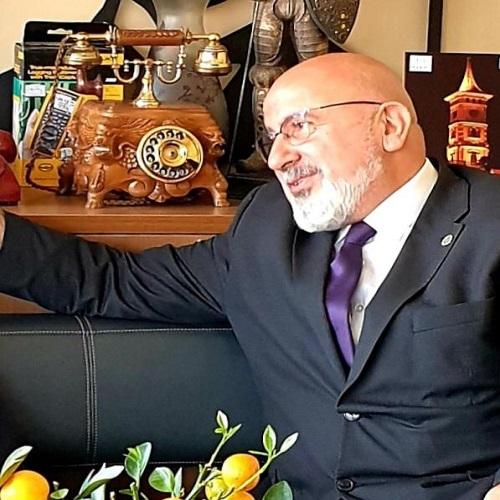 Necmi Özdemir: Rektör Danışmanı Değilim