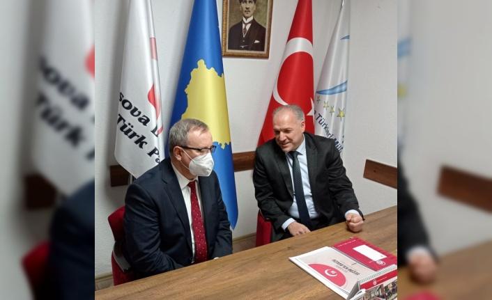 Rektör Tabakoğlu Kosova Demokratik Türk Partisi'ni ziyaret etti