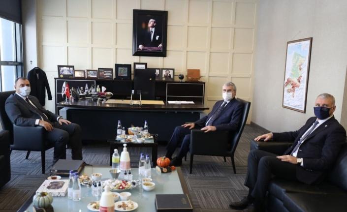 Sakarya Büyükşehir Belediye Başkanı Yüce'den SATSO'ya ziyaret