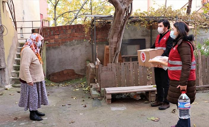 Sultanbeyli Kaymakamlığı, geçen yıl ihtiyaç sahibi ailelere 120 milyon lirayı aşkın yardımda bulundu