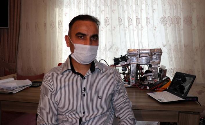 Teknoloji meraklısı doktor atölyesinde motor üretti