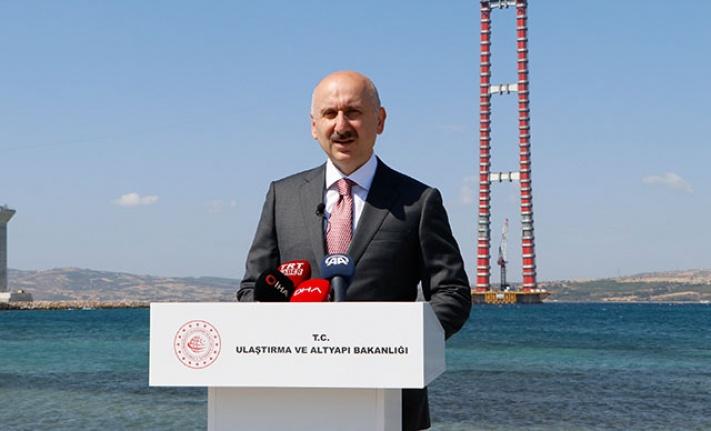 """Ulaştırma ve Altyapı Bakanı Adil Karaismailoğlu, """"1915 Çanakkale Köprüsü"""" şantiyesinde açıklamada bulundu:"""