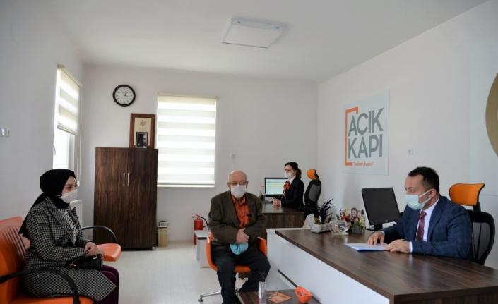 Bilecik Valisi Bilal Şentürk, Açık Kapı'da vatandaşları dinledi