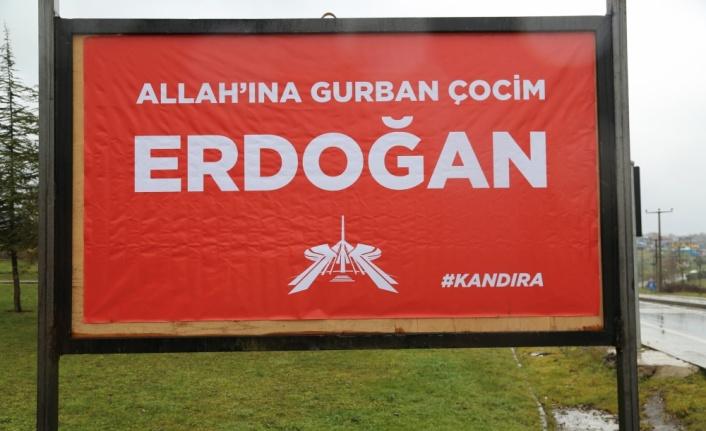 Kocaeli'de reklam panolarına yöresel şiveyle Cumhurbaşkanı Erdoğan'a destek mesajları yazıldı