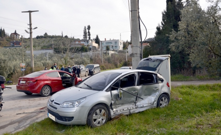 Kocaeli'de trafik kazalarında 4 kişi yaralandı