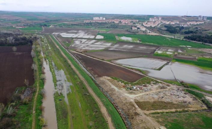 Edirne'de sağanağın ardından debisi yükselen Tunca Nehri için