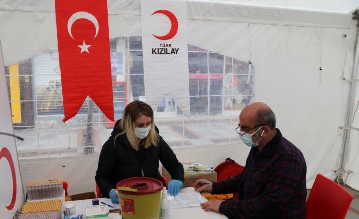 Edirne'de Türk Kızılayı'ndan kan bağış kampanyası