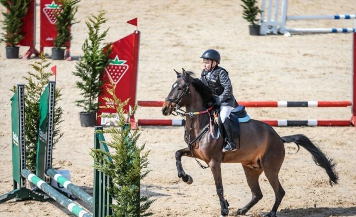 Eyüp Sabri Tuncer 2021 Pony Ligi Yarışmaları'nın 3. ayağı Bursa'da gerçekleştirildi