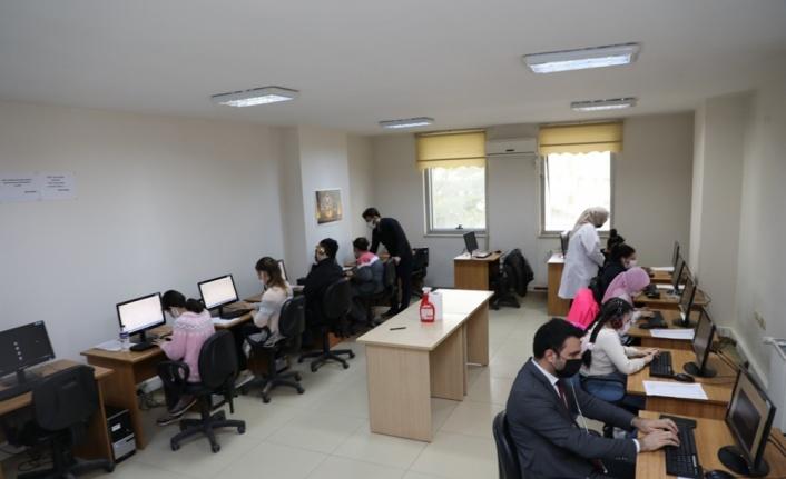 İnegöl'de görme engelliler için bilgisayar kursu açıldı