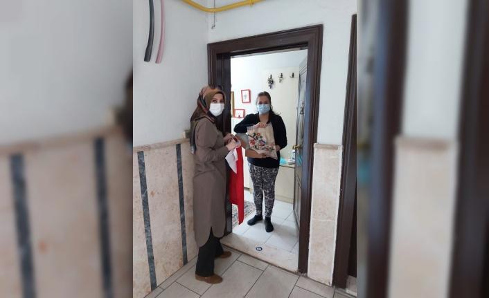Kocaeli'de 1100 aileye 23 Nisan hediyesi gönderildi