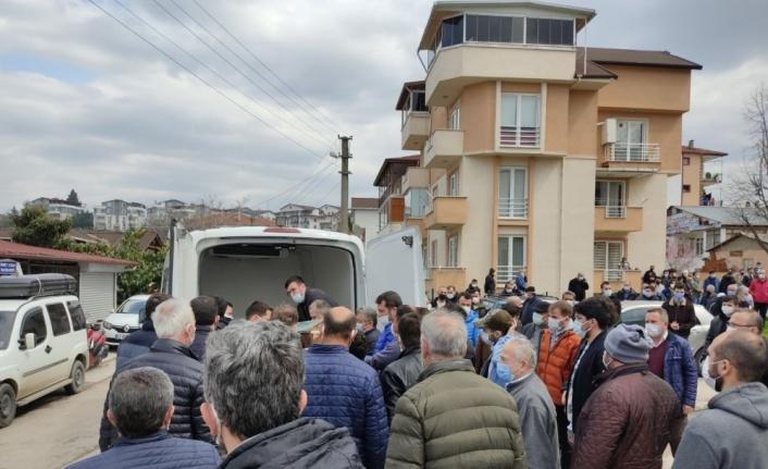 Kocaeli'de arazi aracının devrilmesi sonucu ölen genç toprağa verildi