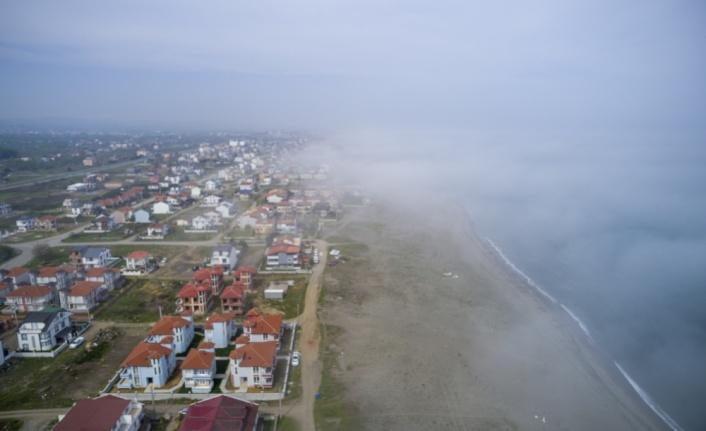 Sakarya'da etkili olan sis, Karadeniz sahillerinde güzel görüntüler oluşturdu