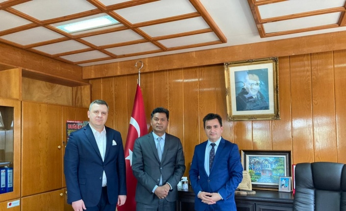 Sri Lanka Cumhuriyeti Ankara Büyükelçisi Hassen'den, Trakya Tarımsal Araştırma Enstitüsü Müdürü Tülek'e ziyaret