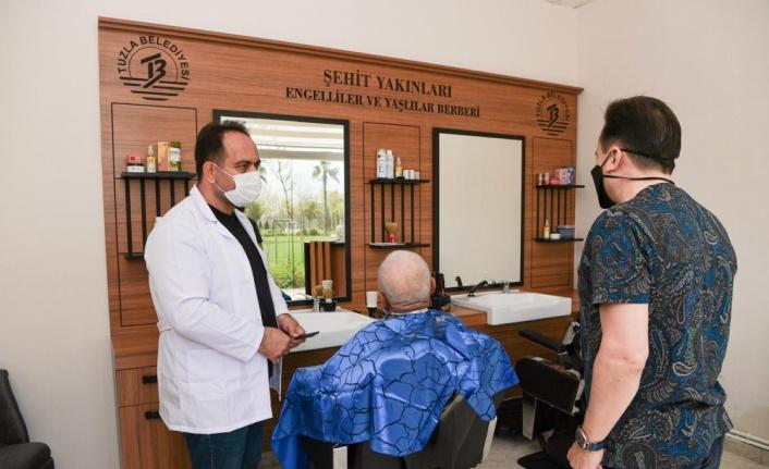 Tuzla'da, ihtiyaç sahibi ve dezavantajlı vatandaşlar için ücretsiz berber hizmeti