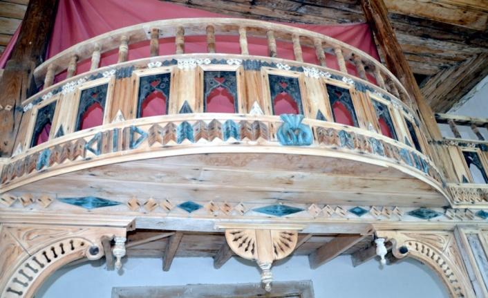 Kocaeli'de 2. Abdülhamit döneminde yapılan tarihi ahşap cami yıllara meydan okuyor