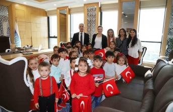 Genel Müdür Ali Sağlık, İSU Anaokulu öğrencileri ile 29 Ekim'i kutladı