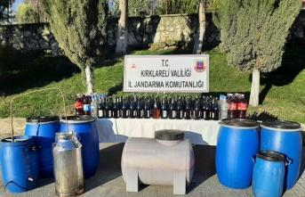 Kırklareli'nde 898 litre kaçak içki ele geçirildi, 2 kişi gözaltına alındı