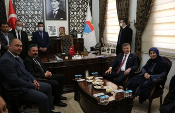 Gelecek Partisi Genel Başkanı Ahmet Davutoğlu, Çanakkale'de temaslarda bulundu