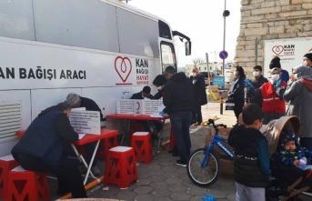 Gelibolu'da Türk Kızılayın kampanyasında 158 ünite kan bağışı yapıldı