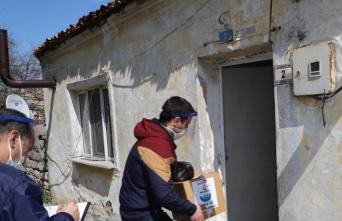 Gelibolu Belediyesinden ihtiyaç sahiplerine gıda yardımı