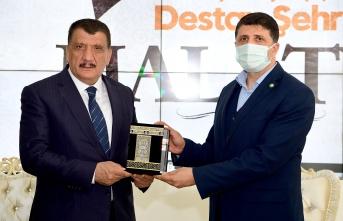 Malatya'da HÜDA-PAR'dan Başkan Gürkan'a ziyaret