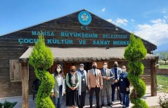 Manisa'da eğitim birimlerine ziyaret