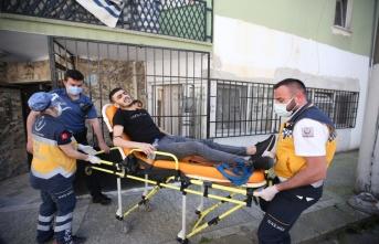 Bursa'da 2 kişinin yaralandığı silahlı kavga güvenlik kamerasına yansıdı