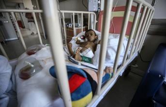Bursa'da akut karaciğer yetmezliği hastası bebek üvey annesinden yapılan nakille yaşama tutundu