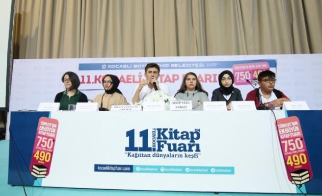 Necip Fazıl'ı öğrenciler anlattı öğretmenleri dinledi