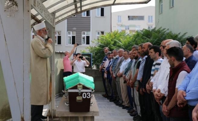 Yol verme kavgasında hayatını kaybeden Kadir Okur toprağa verildi