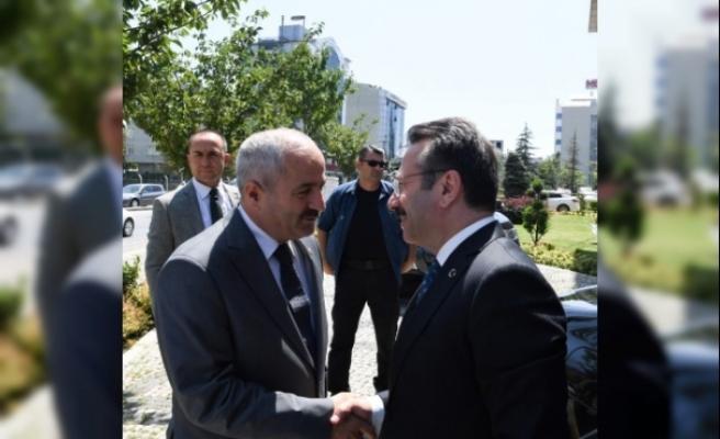 Vali Aksoy'dan, Başkan Büyükgöz'e ziyaret