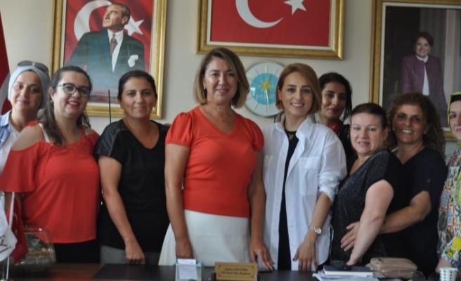 Seda Yalçınkaya: Meral Akşener'e yük olmayacağız, Omuzlarındaki yükü alacağız
