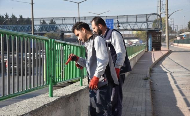 İzmit Belediyesi öğrencilerin kullandığı o yola sahip çıktı