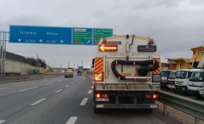 Kocaeli'nin en işlek karayolları yıl boyunca temizleniyor