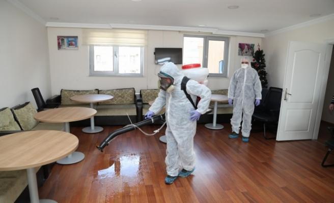 Gebze Belediyesi huzur evini dezenfekte etti