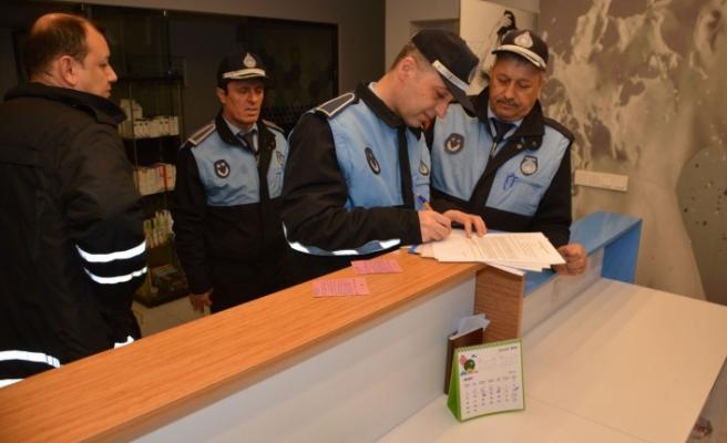 Vatandaşı rahatsız ederek broşür dağıtan iş yerlerine kapama cezası