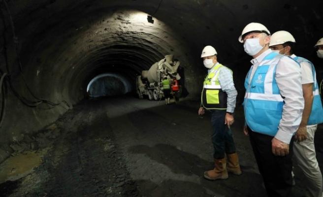 Başkan Büyükakın, yerin 52 metre altına indi, tünellerdeki çalışmaları inceledi