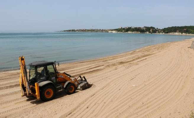 Kandıra plajlarında bakım ve temizlik yapılıyor