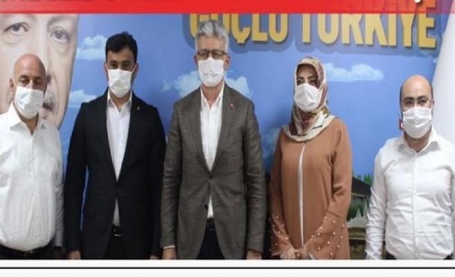 Darıca'da CHP'li ve İYİ Partili Meclis Üyeleri AK Partiye geçti