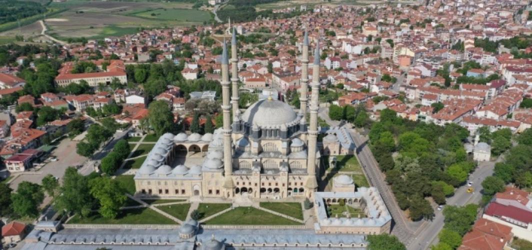 Vakıf eserlerinin süslediği Edirne'de, emanetleri geleceğe taşımak için çalışmalar sürüyor