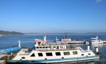 Çanakkale Boğazı yoğun sisin etkisini yitirmesiyle çift yönlü transit gemi geçişlerine açıldı