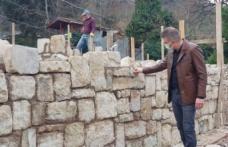 Başkan Sezer, Tarihi Yapının duvarına Taş Yerleştirdi