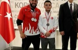 Bilek güreşçilerden 2 gümüş 1 bronz