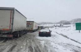 Bursa-İzmir Otoyolu trafiğe kapandı