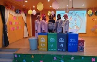 Gebze Belediyesi okullarda geri dönüşüm eğitimi...
