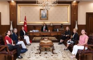 Türk Üniversiteli Kadınlardan Vali Aksoy'a ziyaret