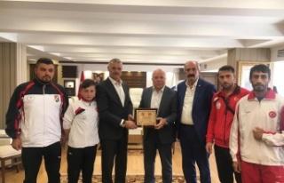 Altay Spor İhtisas, Erzurum Protokolünü ziyaret...